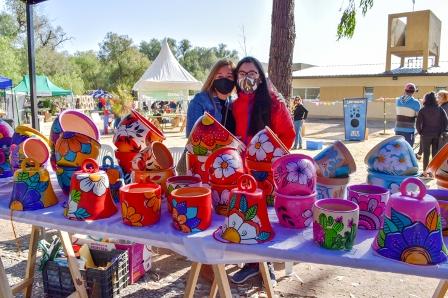 El Parque de las Naciones vivió una jornada a pura alegría con la vuelta de la Feria de Pequeños y Medianos Productores